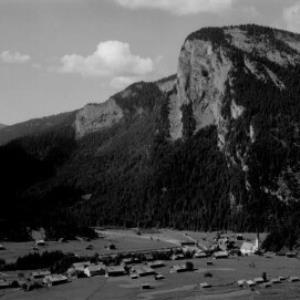Au im Bregenzerwald mit Mittagsfluh von Risch-Lau