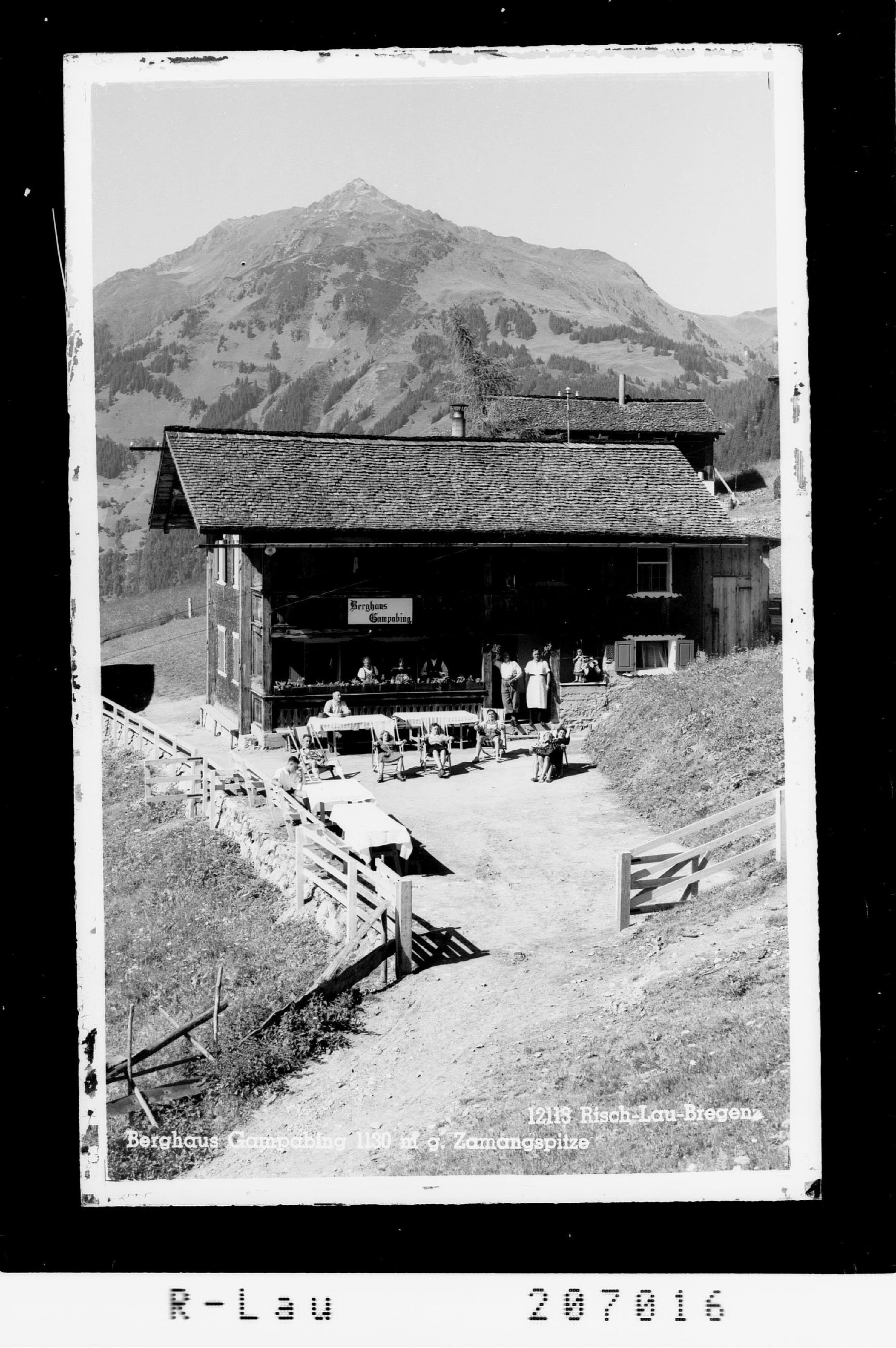 Berghaus Gampabing 1130 m gegen Zamangspitze von Risch-Lau
