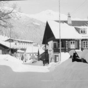 Aus St.Anton am Arlberg von Risch-Lau