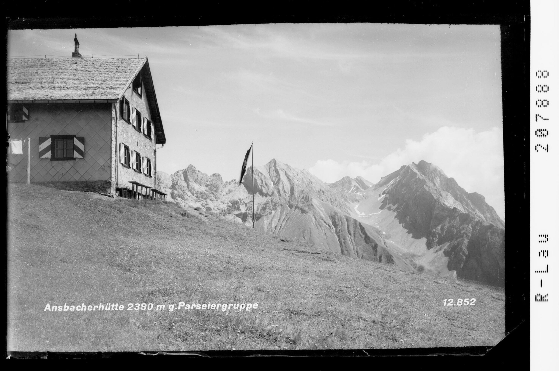 Ansbacher Hütte mit Blick zum Hohen Riffler von Risch-Lau