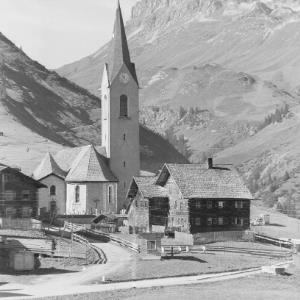 Warth am Arlberg 1500 m an der Hochtannbergstrasse von Risch-Lau