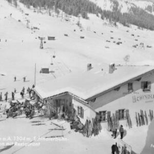St.Anton am Arlberg 1304 m / Schindlerbahn Talstation mit Restaurant von Risch-Lau