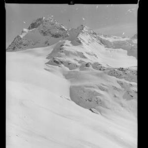 Silvretta / Wiesbadner Hütte 2450 m mit Piz Buin 3312 m von Risch-Lau