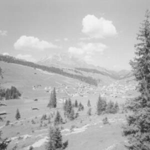 Lech am Arlberg mit Blick zum Karhorn von Risch-Lau
