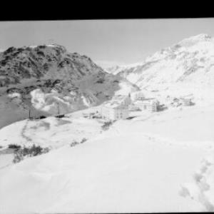 St.Christoph am Arlberg gegen Trittkopf von Risch-Lau