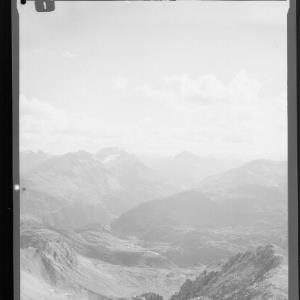 Blick von der Valluga auf St.Christoph und in die Verwallgruppe von Risch-Lau