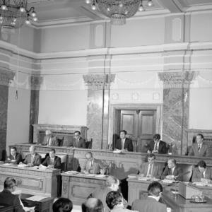 Regierungsbank im Landtag / Helmut Klapper von Klapper, Helmut