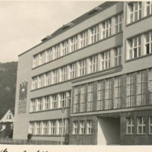 Bregenz, Gewerbeschule von Ansichtskartenverlag, Bader