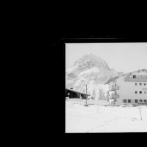 Haus Stubenbach in Stubenbach bei Lech am Arlberg gegen Omeshorn von Risch-Lau