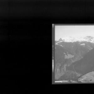 Blick zum Falzer Kopf und Grünhorn von Risch-Lau