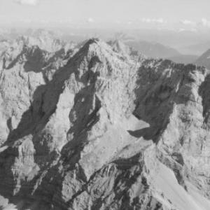 Zugspitze 2964 m / Tirol von Risch-Lau