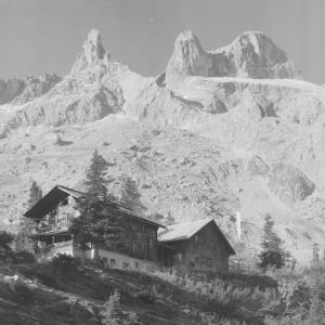 Lindauerhütte 1762 m gegen Drei Türme 2828 m im Montafon von Risch-Lau