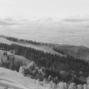 Blick vom Pfänder gegen Balfrieser Berge und Alpsteingruppe von Risch-Lau