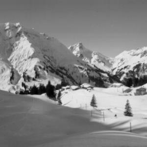 Nesslegg bei Schröcken gegen Künzelspitze 2415 m Bregenzerwald, Vorarlberg von Risch-Lau