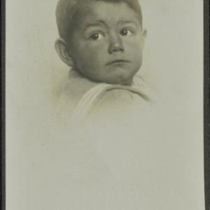 Bildnis eines unbekannten Jungen von Högler, Rudolf