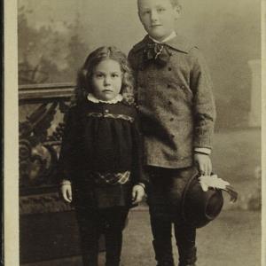 Bildnis eines unbekannten Mädchens und eines unbekannten Jungen von Vinzenz, Jos.