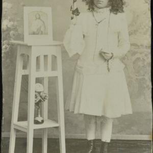 Bildnis einer unbekannten Erstkommunikantin von Durner, Felix