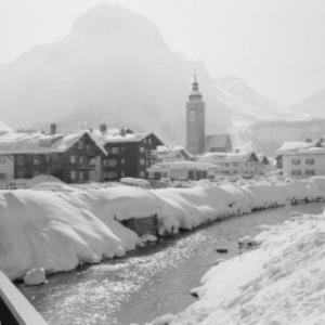 Lech am Arlberg gegen Omeshorn und Spuller Schafberg von Risch-Lau