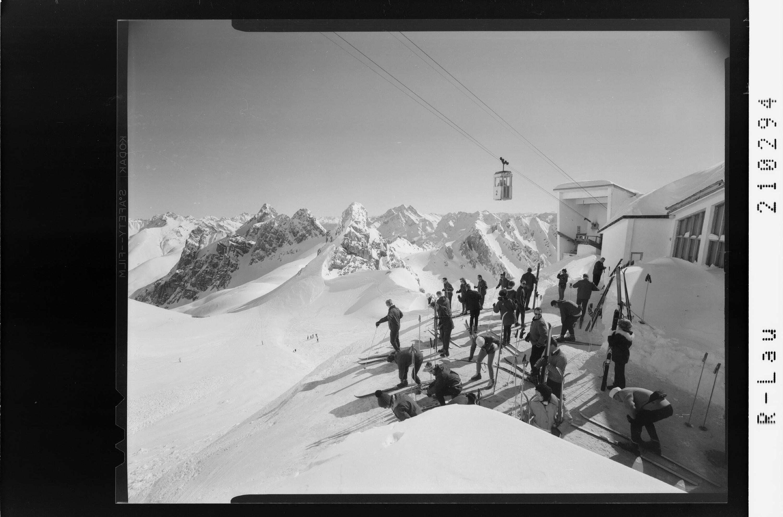 Vallugagrat mit Blick zum Jahnturm und Hohen Riffler von Risch-Lau