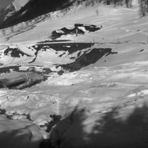 Winteraufnahme von der Ortschaft Langen am Arlberg 2 / Josef Wilhelm Purtscher von Purtscher, Josef Wilhelm
