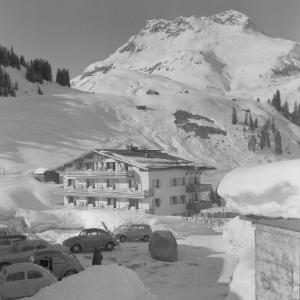 Stubenbach bei Lech am Arlberg / Haus Stubenbach mit Karhorn von Risch-Lau