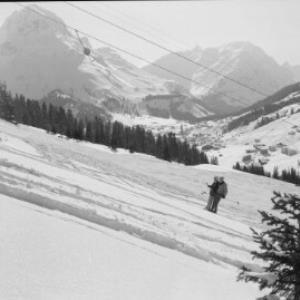 Stubenbach bei Lech am Arlberg, Skilift gegen Omeshorn und Spuller Schafberg von Risch-Lau