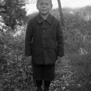 Aufnahme eines Buben / Josef Wilhelm Purtscher von Purtscher, Josef Wilhelm