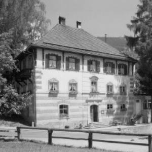 Gasthof zum Löwen in Tschagguns im Montafon von Risch-Lau