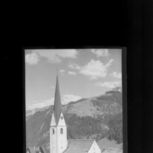 Pfarrkirche Sonntag im Grossen Walsertal mit Glattmar von Risch-Lau