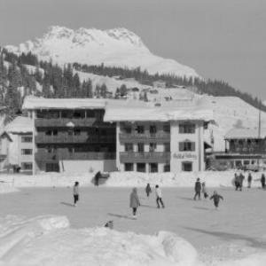 Hotel Arlberg in Lech am Arlberg mit Karhorn von Risch-Lau