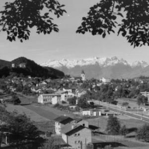 Götzis, Vorarlberg gegen Schweizer Berge von Risch-Lau