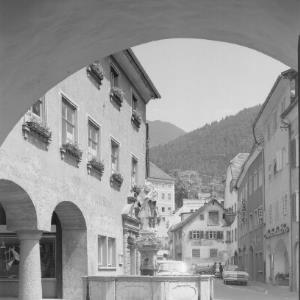 Bludenz / Vorarlberg Rathaus mit Rathausbrunnen von Risch-Lau