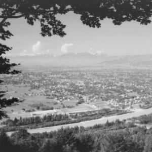 Blick auf Lauterach gegen Balfrieser Berge und Alpsteingruppe von Risch-Lau