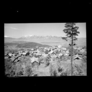 Übersaxen, Vorarlberg mit Blick auf die Schweizer Berge von Risch-Lau