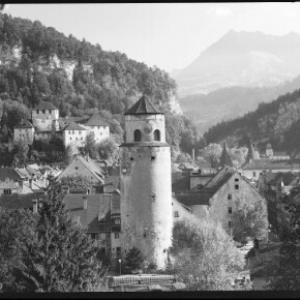 Feldkirch mit Katzenturm und Schattenburg gegen Gurtisspitze von Risch-Lau