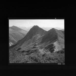 Furkapass 1761 m, Blick auf Seraspitze und die Berge des Grossen Walsertales von Risch-Lau