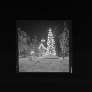 Frohe Weihnachten und ein gutes neues Jahr Weihnachtsbeleuchtung Hohenems Vorarlberg von Risch-Lau