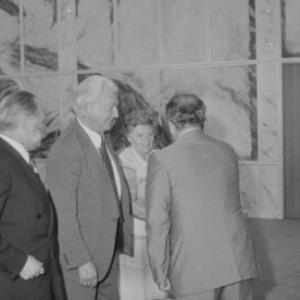 Ehrenzeichen für die Verdienste um die Befreiung Österreichs - Ehrung posthum nach Tod in Mauthausen: Josef Anton King, Dr. Kurt Fragner, Rosalia Mikulcak / Helmut Klapper von Klapper, Helmut