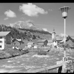 Lech am Arlberg 1447 m mit Karhorn 1416 m von Risch-Lau