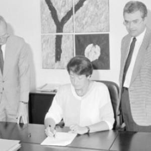 HTL - Vertragsunterzeichnung / Helmut Klapper von Klapper, Helmut