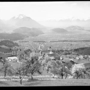 Viktorsberg / Vorarlberg, Kinder- und Sonnenheilstätte gegen Drei Schwestern und Schweizer Berge von Risch-Lau