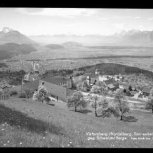 Viktorsberg / Vorarlberg, Sonnenheistätte gegen Schweizer Berge von Risch-Lau