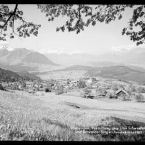 Übersaxen, Vorarlberg gegen Drei Schwestern und Schweizer Berge von Risch-Lau
