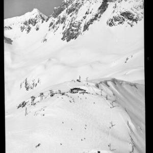 St.Anton am Arlberg 1304 m, Schindlerbahn, Tirol - Austria by Risch-Lau