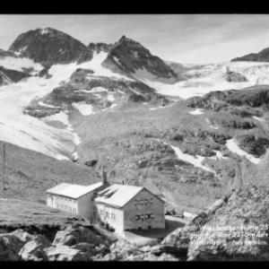 Wiesbadner Hütte 2510 m gegen Piz Buin 3316 m Silvretta Vorarlberg von Risch-Lau