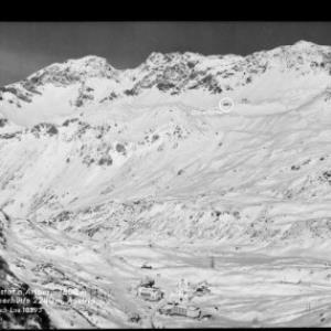 St.Christoph am Arlberg 1800 m mit Ulmerhütte 2280 m, Austria von Risch-Lau