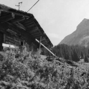 Lech, Alphütte und Stadel / Rudolf Zündel von Zündel, Rudolf