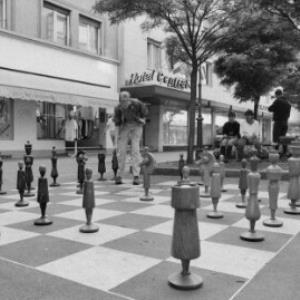 Bregenz, Schachspieler vor dem Hotel Central / Rudolf Zündel von Zündel, Rudolf