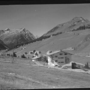 Blick von Stubenbach bei Lech am Arlberg gegen Spuller Schafberg und Kriegerhorn von Risch-Lau