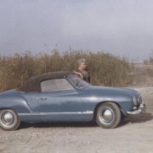Eleonore Bertolini, VW-Cabrio / Fotograf: Norbert Bertolini von Bertolini, Norbert